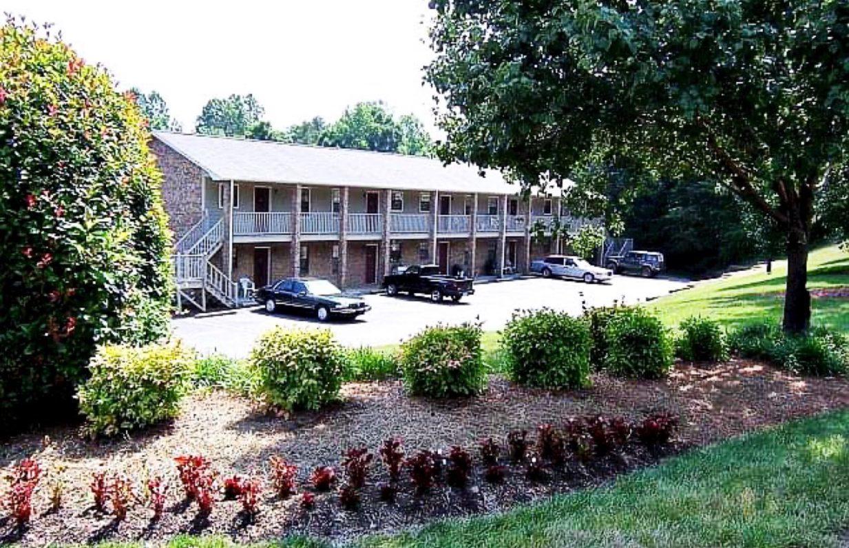 5710 Southwest Acres Drive, Clemmons, NC 27012